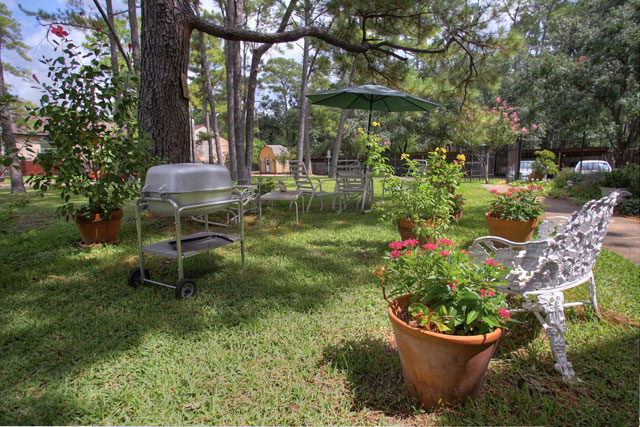 assisted-living-houston-tx-campus.jpg