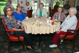 Ladies_in_Assisted_Living_Dining_Room