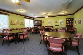 Private_Dining_Room_in_Assisted_Living_Facility