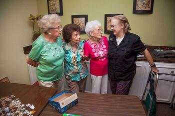 assisted-living-in-houston-senior-living-promotes-happiness