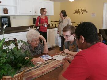 activities-for seniors-houston-assisted-living-typical-schedule