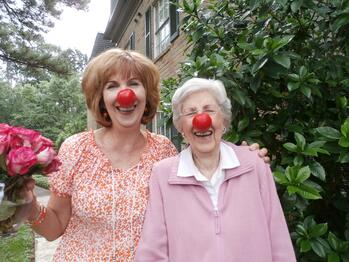 assisted-living-residents-houston-enjoy-red-nose-day