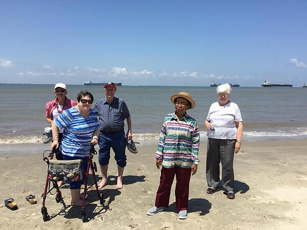 trip to galveston with senior living houston residents2